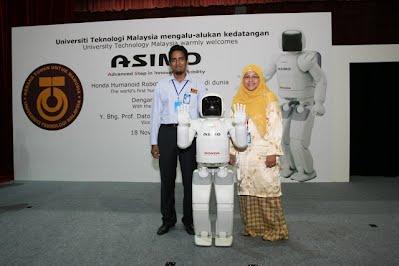 Organising Asimo (Honda) Visit Year 2008 with Dr. Muhammad Sultam